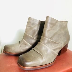 Kork-Ease Rustic Gray Ankle Boots